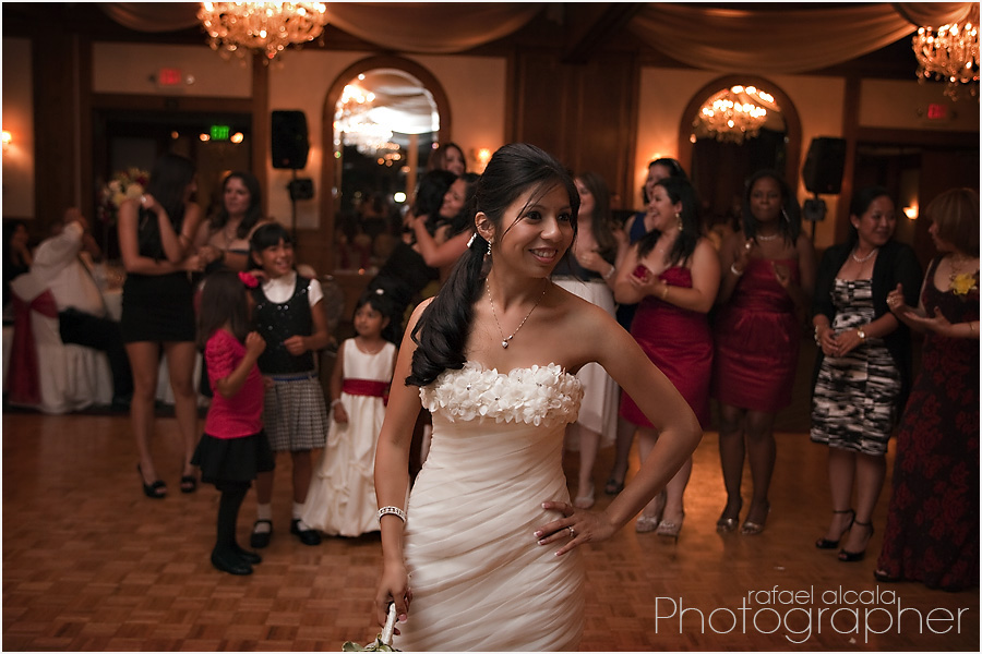 long beach weddings-Reef Restaurant-gater toss